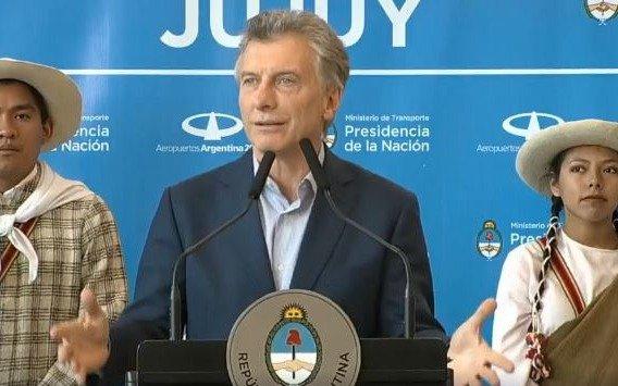 """Macri pidió que la obra pública no sea """"tierra fértil para que se queden con los vueltos"""""""