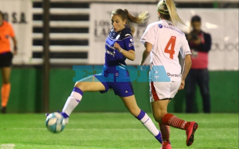 Las Triperas debutaron con un triunfo en el comienzo del torneo de fútbol femenino