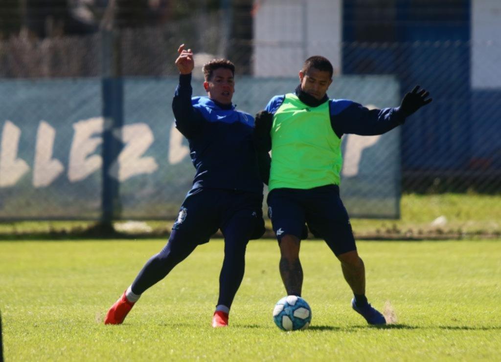 Por ahora Diego no tocaría nada del equipo para visitar el lunes a Talleres de Córdoba