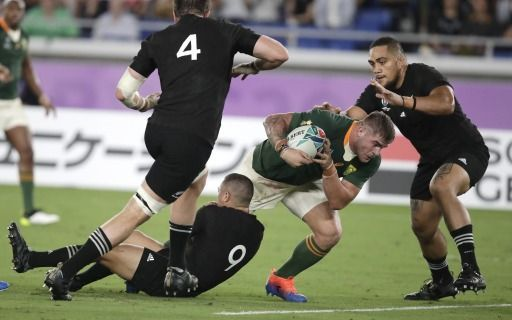 "Los ""All Blacks"" superan a los ""Springboks"" por 23-13"