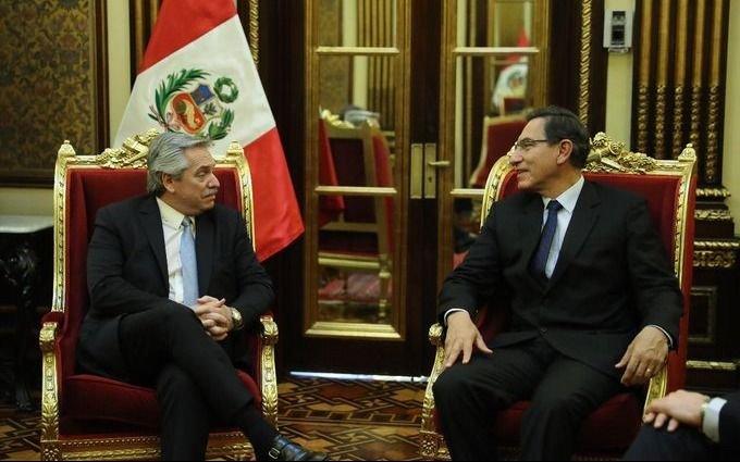 Alberto Fernández cerró su gira por Bolivia y Perú y regresa al país