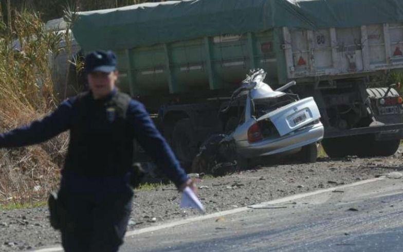 Tragedia en la ruta 40: cinco muertos en un accidente entre un auto y un camión