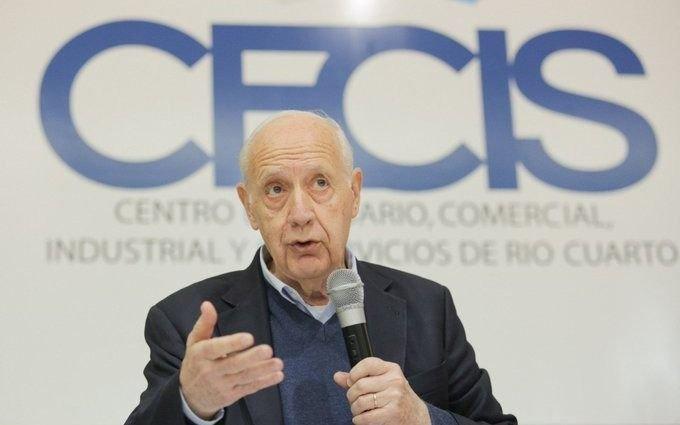 """Lavagna: """"Ni el bombo populista ni la patria financiera le servirán al país"""""""