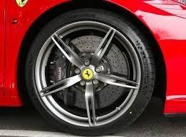 Por qué los neumáticos son negros si ese no es el color del caucho