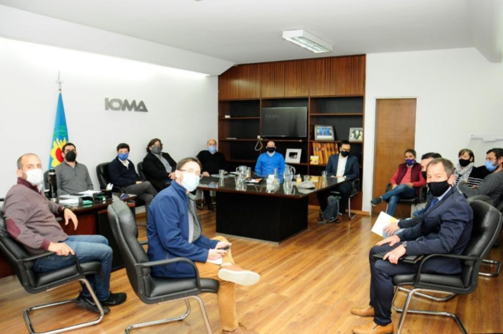 Se estiran las negociaciones por un acuerdo entre IOMA y los médicos de la Región