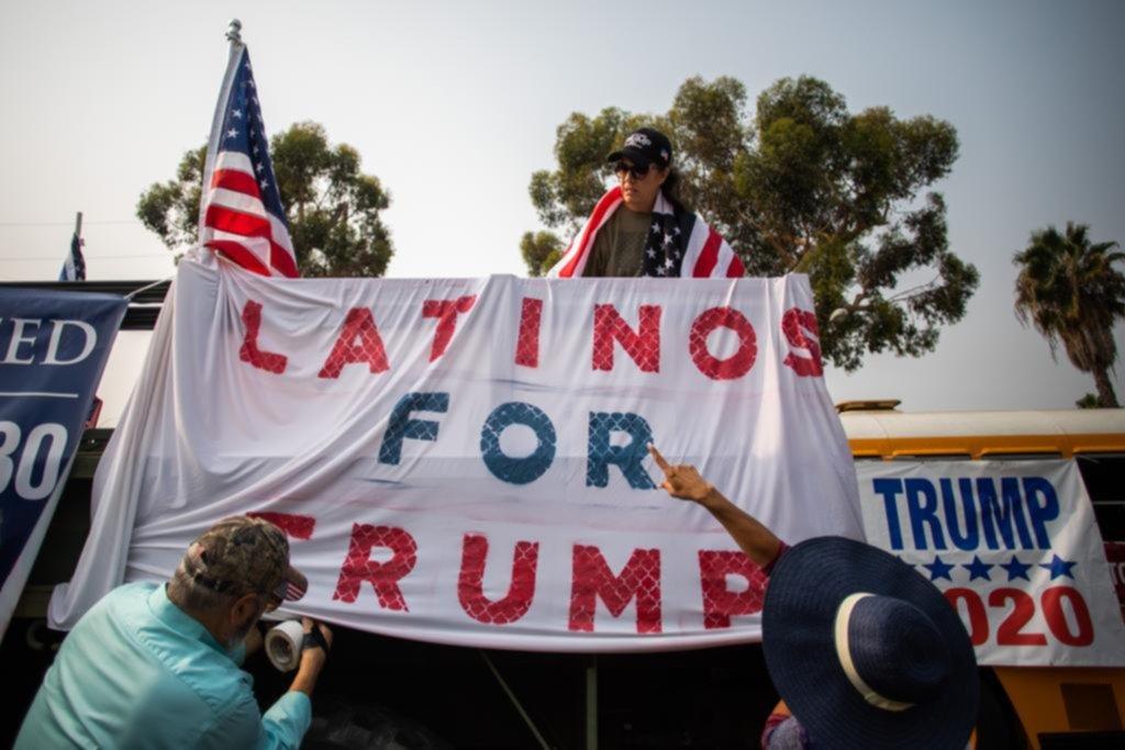 Trump empieza a preocuparse por captar los votos latinos