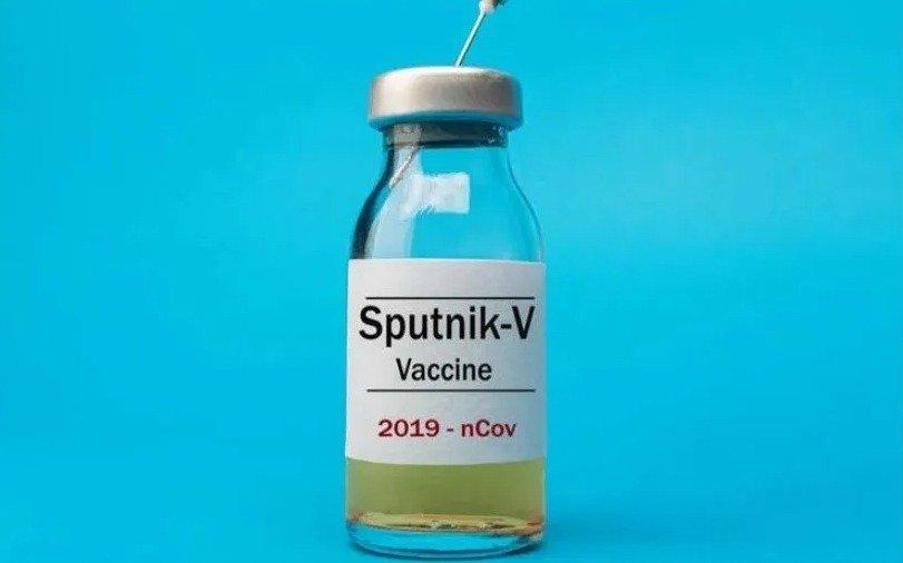 Ministro ruso admite que la vacuna contra el Covid tuvo efectos secundarios