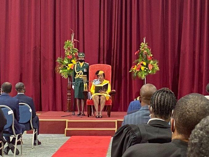 Barbados buscará destituir a la reina Isabelcomo jefa de Estado para convertirse en República
