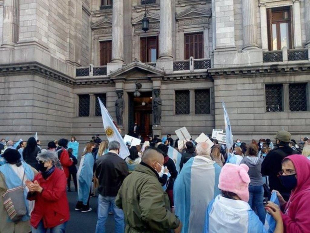 El Senado desplazó a tres jueces que intervienen en causas contra Cristina