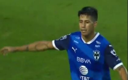 El golazo del ex Gimnasia Maxi Meza en la victoria de Rayados
