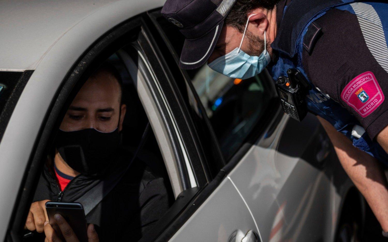 Las nuevas restricciones en Madrid: casi un millón de ciudadanos confinados