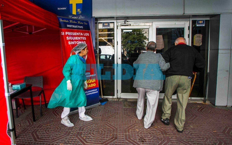 Murió un enfermero en La Plata que estaba contagiado de coronavirus