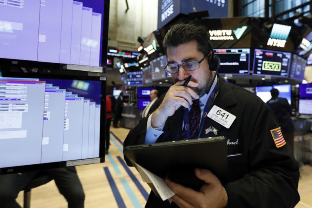 Una trama de lavado desploma las acciones de grandes bancos