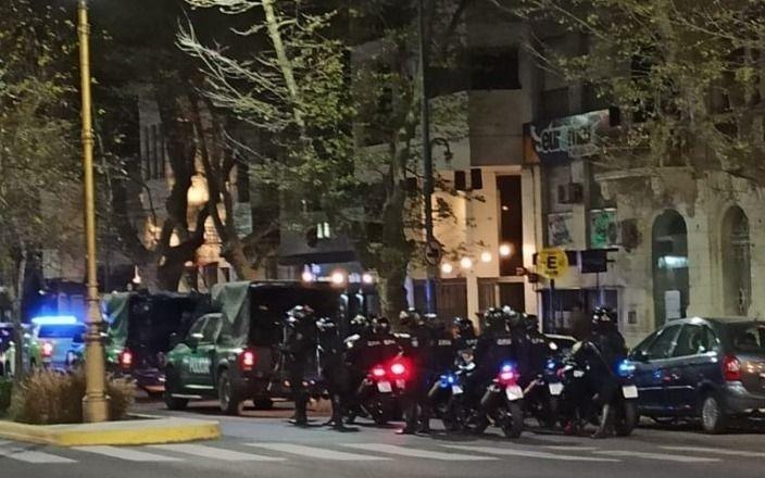 Cruces entre el Municipio y la Provincia por los operativos en los bares de la Ciudad