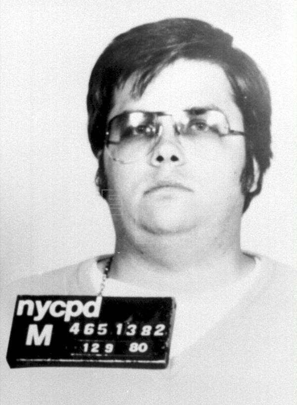 """El asesino de Lennon: """"Lo maté porque quería la gloria para mí"""""""