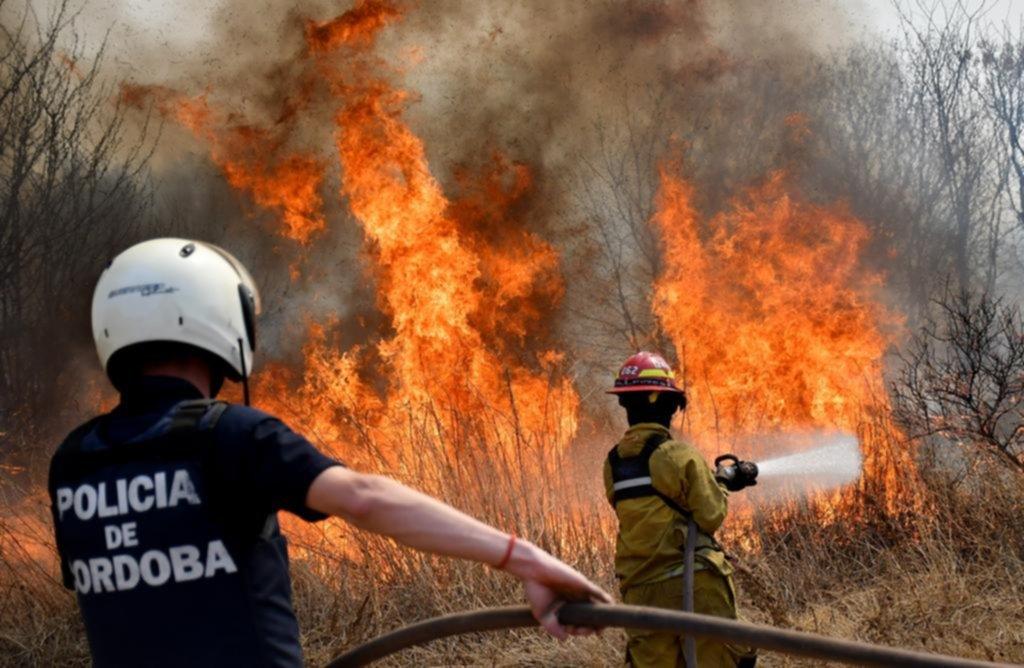 Más de la mitad de las provincias del país, con incendios de distinta intensidad