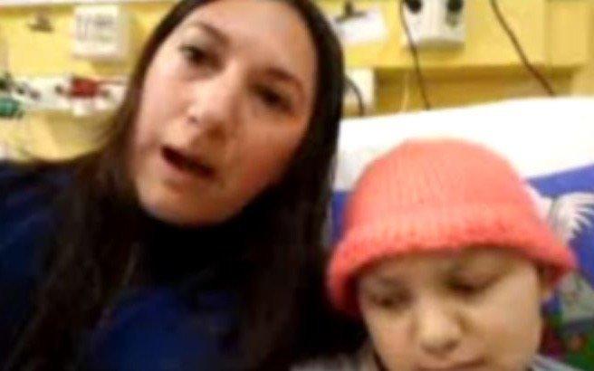 Afirman que proveerán la prótesis para la nena con tratamiento de quimioterapia
