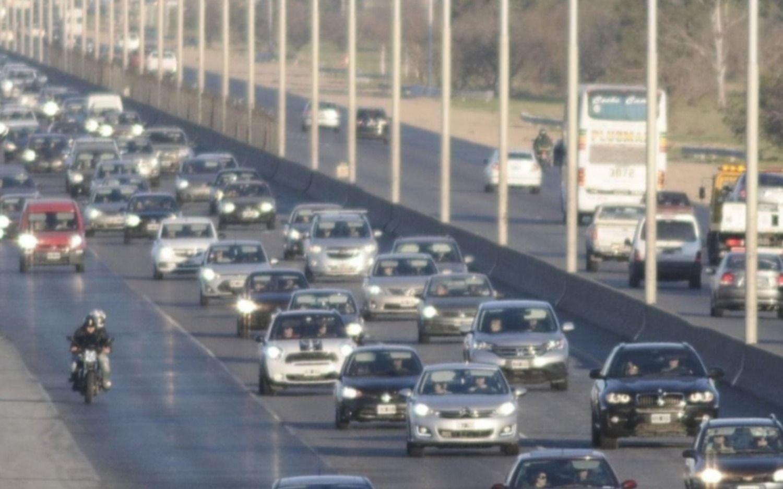 Accidente en la autopista, sentido a la Ciudad de Buenos Aires