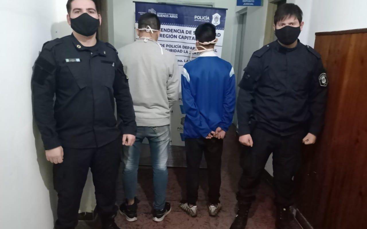 Dos detenidos por el robo de una camioneta en inmediaciones de la Plaza España