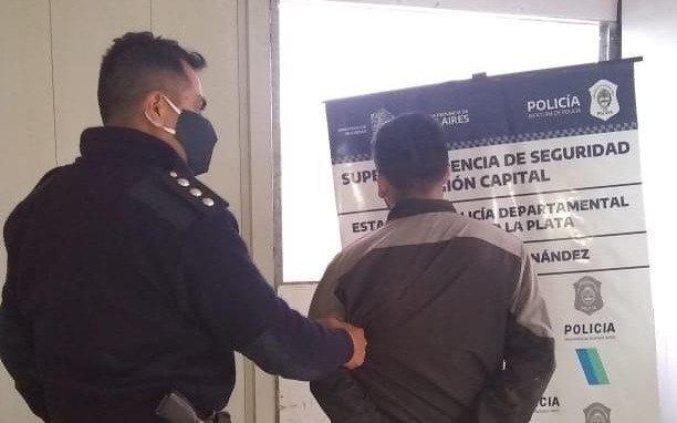 Cayó un intruso en Hernández por la reacción de los vecinos que activaron un sistema de alarmas