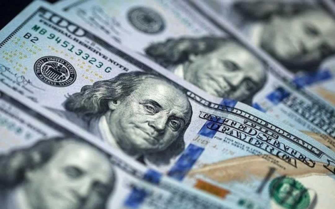 Los bancos volverán a vender dólares mañana a través del homebanking
