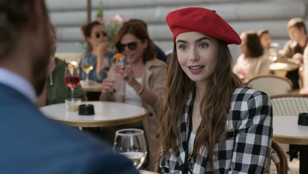 """Emily in Paris"": la nueva ""Sex and the City"" llega el viernes a la pantalla de Netflix"