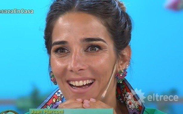 Juana le pifió: confundió dos programas de cocina y consultó al invitado por el envío de la competencia
