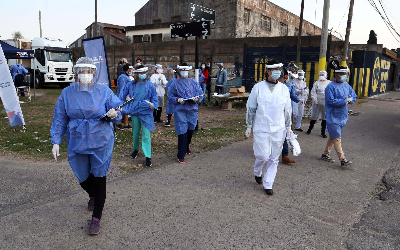 El número más alto de contagios en el país: 13.477 nuevos positivos y 406 muertes