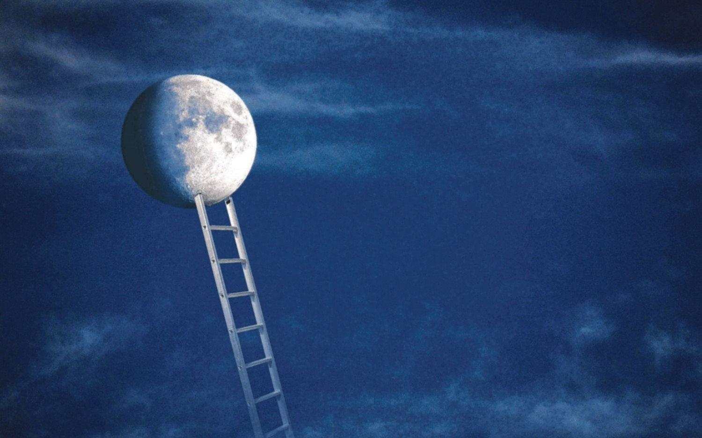 La Luna de los escritores y la Luna de los científicos