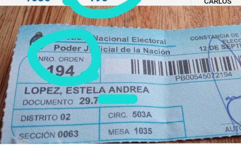 Vecina de Gonnet indignada: fue a votar y le dieron una constancia de otra persona