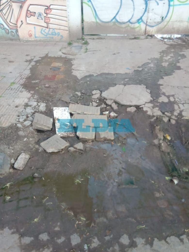 Preocupación por un desborde cloacal ubicado a metros del hogar de adolescentes SATI