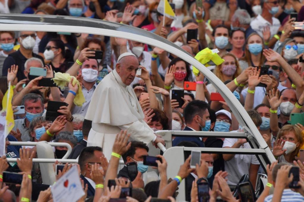 El Papa denuncia prejuicios: contra la comunidad gitana, en su visita a Eslovaquia