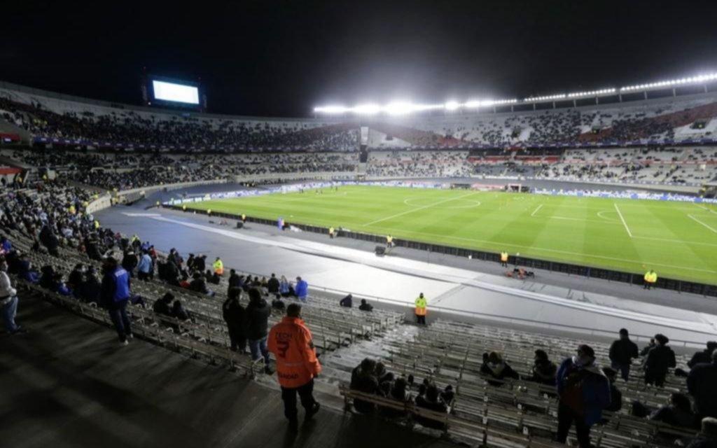 Se suspendió la reunión para avanzar en el regreso del público a los estadios