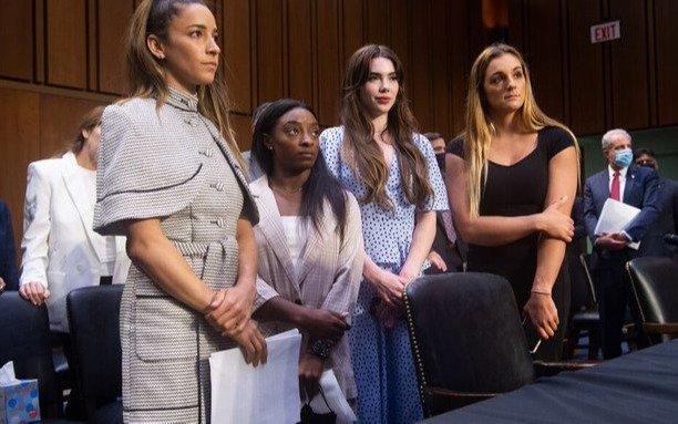 VIDEO: Los crudos testimonios de las gimnastas que denuncian aLarry Nassar por abuso sexual