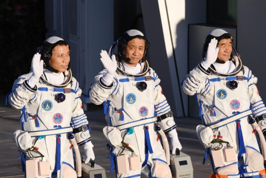 Récord en el espacio: astronautas regresaron tras 90 días