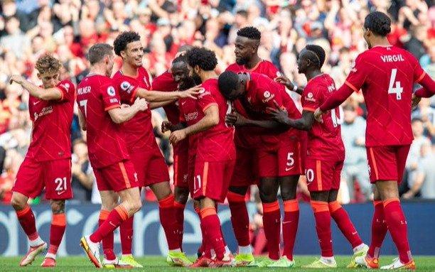 Victoria del líder Liverpool frente al Crystal Palace y empate del City