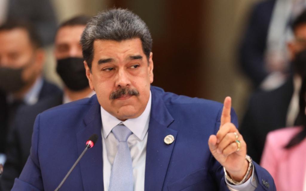 Dardos para Maduro y Díaz-Canel en una cumbre muy caliente en México