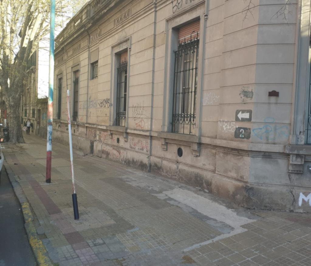 El misterio del 1013 de la calle 2 y la puerta invisible detrás de la que quizá esté Gardel