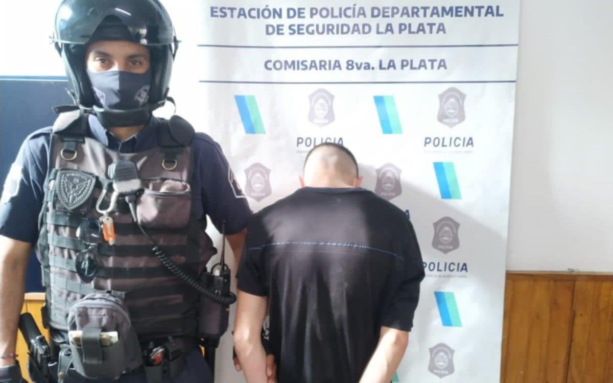 Ladrón de 18 años intentó escapar por los techos de las casas en Altos de San Lorenzo
