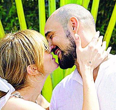 En una ceremonia íntima, se casó Abel Pintos