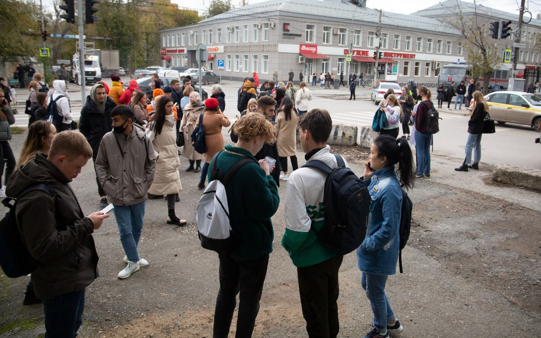 Horror en Rusia: estudiante mató a al menos 6 personas en un tiroteo en una universidad