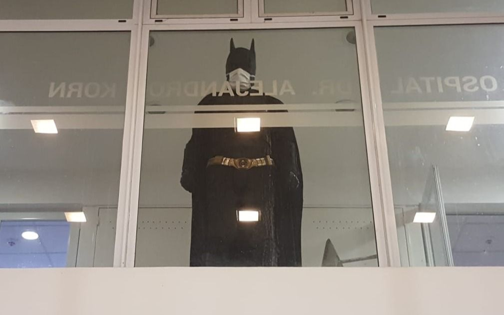 """El Batman platense ya eligió nuevo hospital para sus cruzadas solidarias: los """"batidetalles"""""""