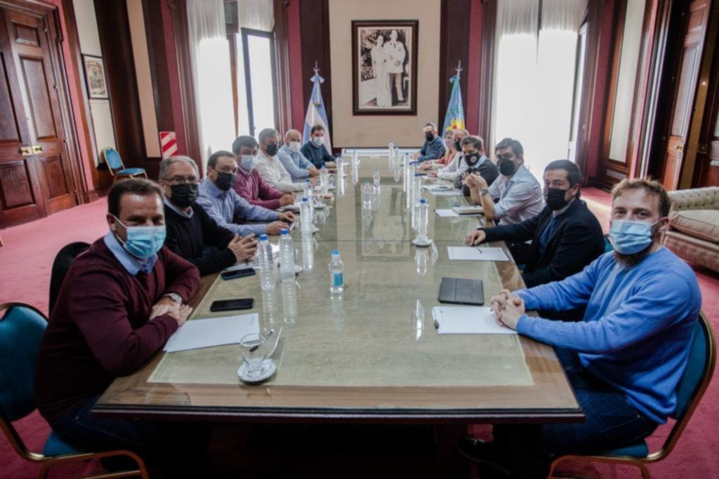 Llega otro intendente al gabinete de Kicillof y crearían más ministerios