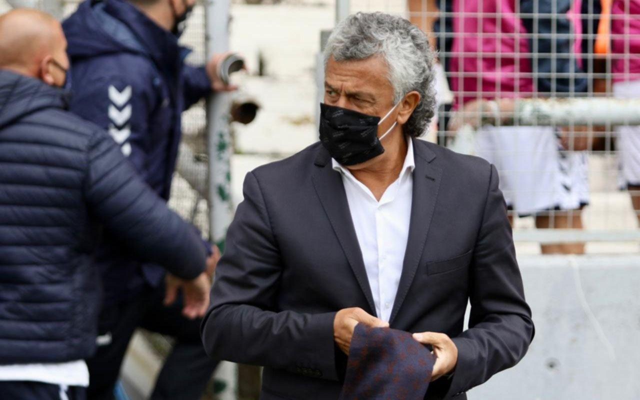 """Néstor Gorosito destacó el esfuerzo de sus jugadores: """"Estoy muy feliz por la victoria"""""""