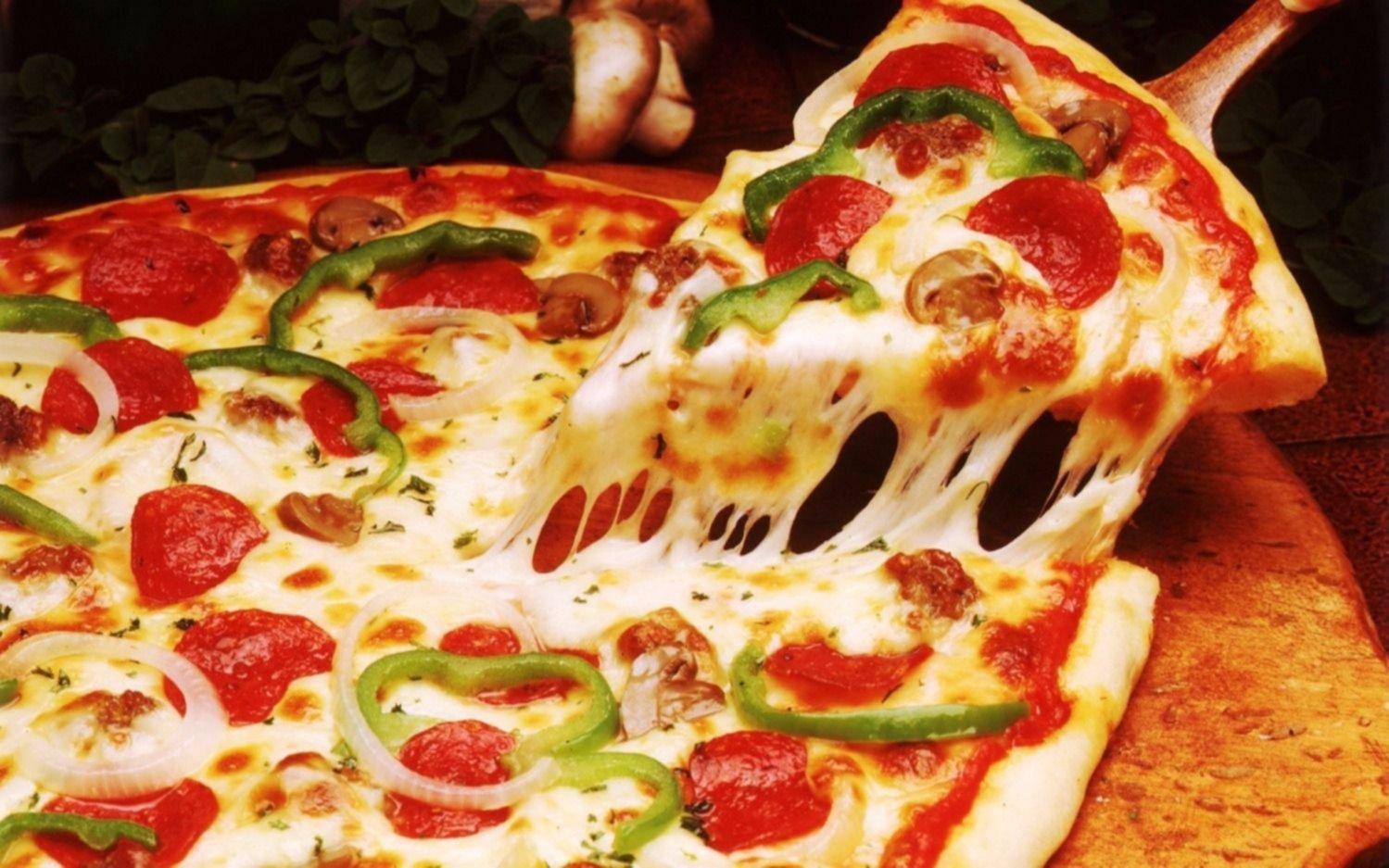 """La Plata se suma a """"la Noche de la Pizza y la Empanada"""": arranca hoy a las 19 y habrá promociones"""
