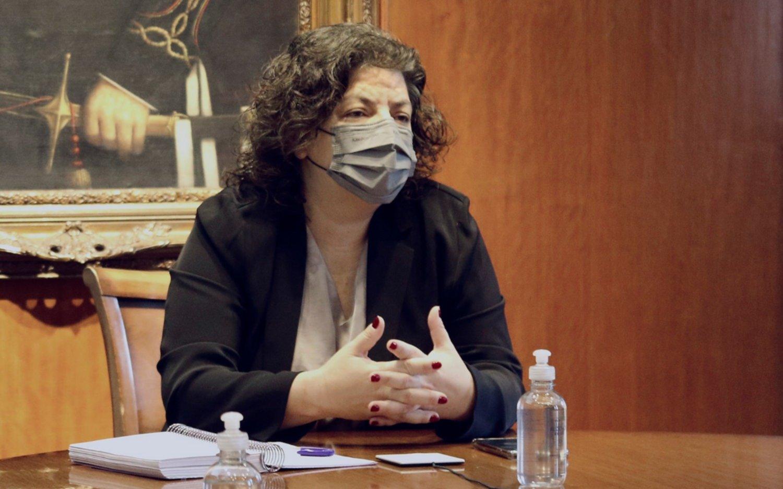 "Carla Vizzotti fue intervenida ""satisfactoriamente"" por una apendicitis aguda"