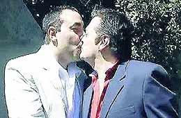 Primera boda gay de la Policía  Federal, en La Plata