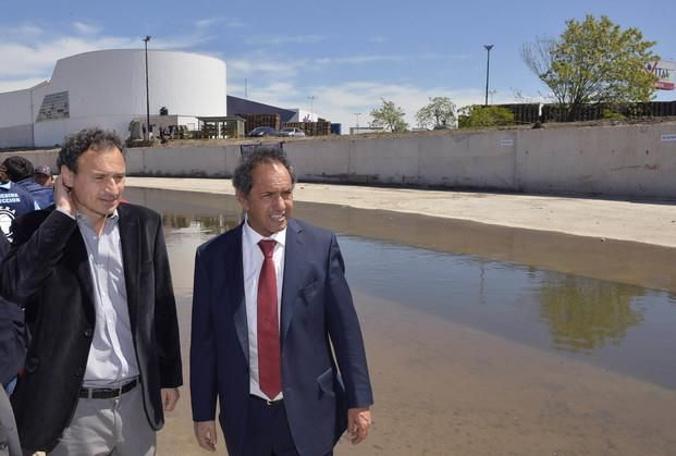 Scioli inauguró obra de saneamiento del arroyo El Gato