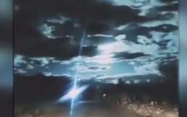 VIDEO. Un meteoro iluminó el cielo en la noche de China