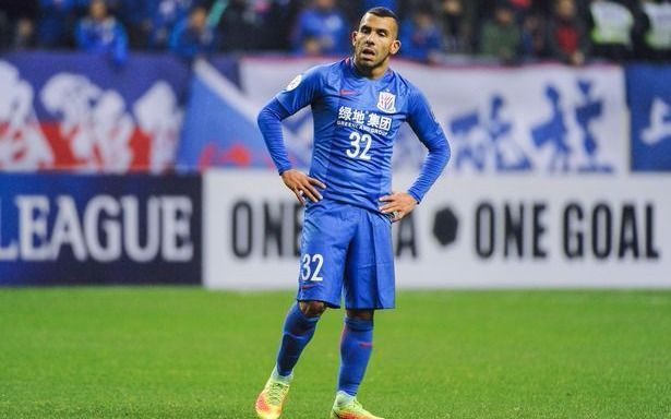 A dos fechas del final del torneo, en China hablan de Tevez como el fracaso más grande de la temporada